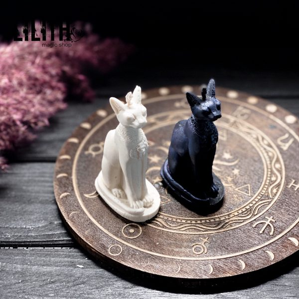 Bastet Goddess Ritual Figurine Beeswax Candle – 1 item