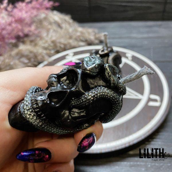 Свеча «Череп со Змеями»