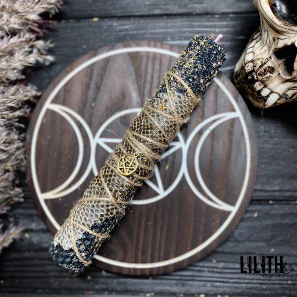 Синяя шаманская свеча из вощины со шкурой змеи и травами для медитаций, раскрытия интуиции, шаманский путешествий