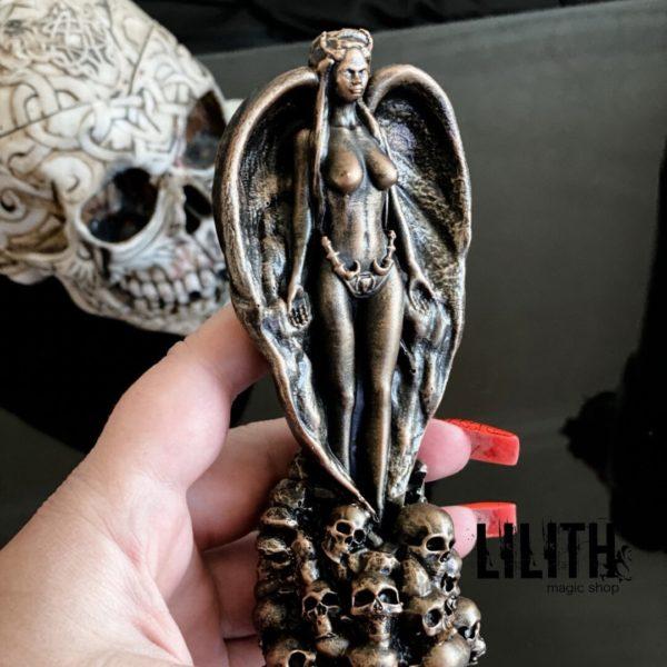 Lilith Resin Figurine – Clear Varnish Finish