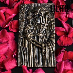 Барельеф «Смерть» из гипса